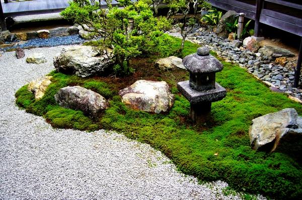 Awesome galets jardin japonais gallery for Jardin zen japonais