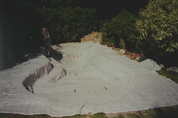 La construction d 39 un bassin tape par tape et en images for Feutre geotextile pour bassin